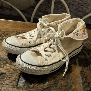 Converse Size 6.5 Cream Embroidered High Tops